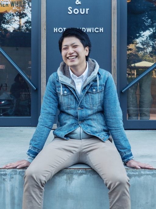 マッチングアプリ メイン写真は正面から撮った笑顔の写真