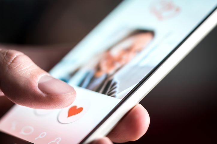 マッチングアプリ 【何を話せば】マッチングアプリで話題に困る!会話を盛り上げるにはどうすれば良い?