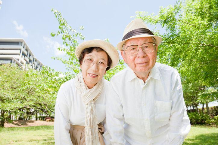 マッチングアプリ シニア世代の中高年でも婚活するための方法