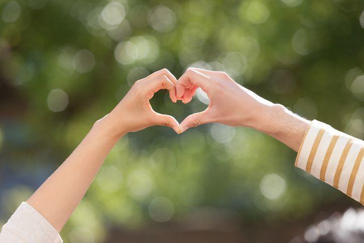結婚相談所が馴れ初めって話すべき?出会いのきっかけの伝え方と注意点とは