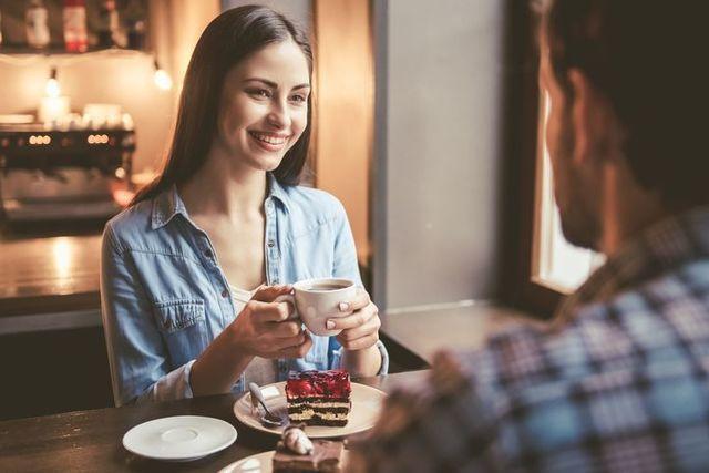 婚活パーティー街コン パーティーのアフターにお茶をするのもおすすめ