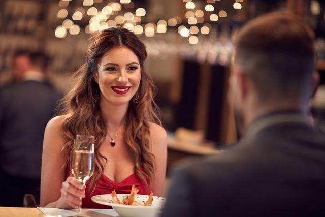 婚活パーティー お茶と食事の使い分け方って?