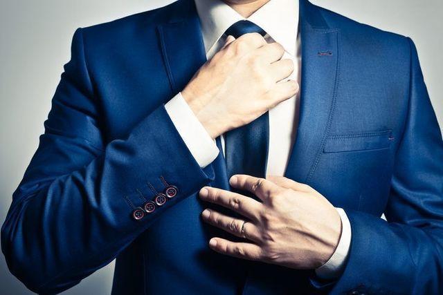 婚活のコツ 迷ったら男性はスーツ、女性はワンピースがおすすめ