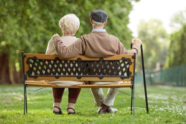 シニア世代が婚活する理由