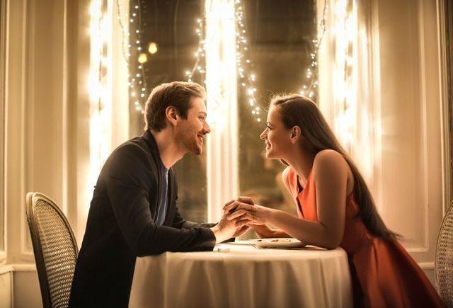 婚活パーティーの基礎知識とコツ 友人の結婚式までに未来の旦那を!