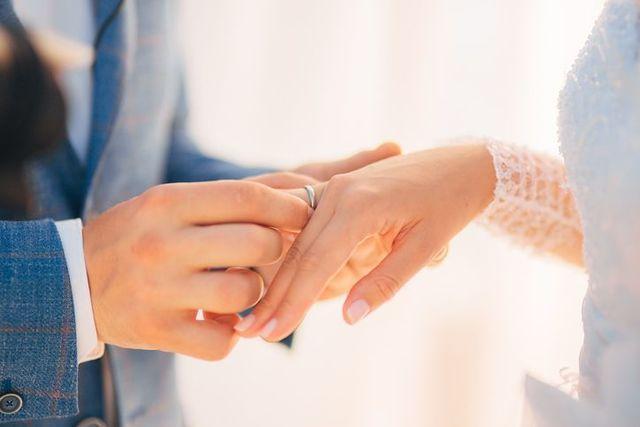 婚活のコツ 2. 親しい友人が結婚した時