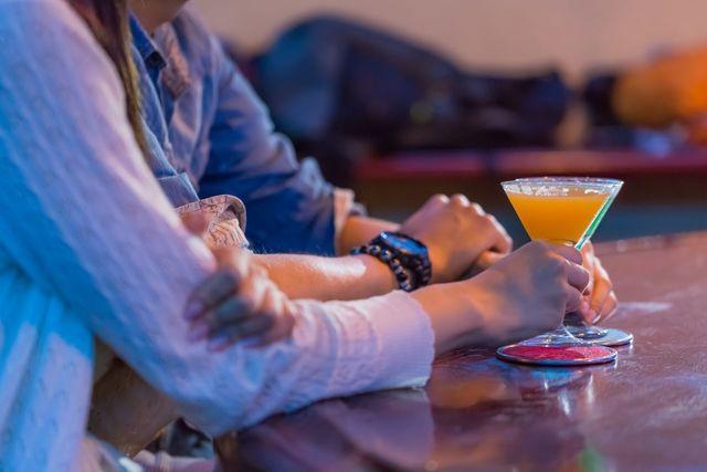 彼氏を作る方法 飲み屋、バーに行く