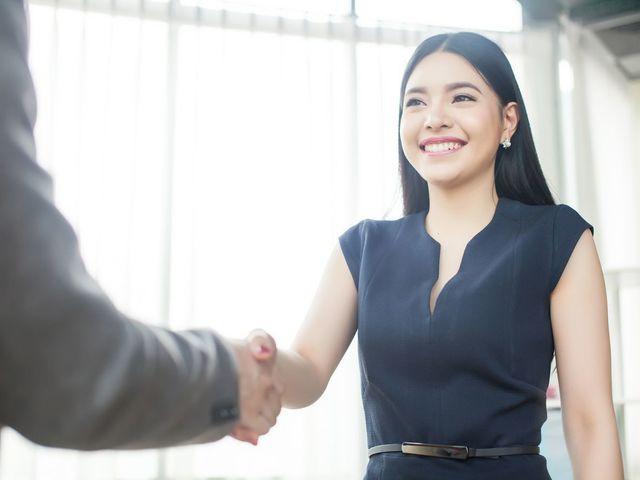 男性向け ②同僚学生時代の友人に紹介を頼む