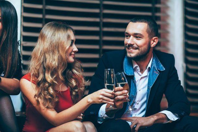 婚活パーティーの基礎知識とコツ 婚活パーティー形式タイプに合わせた服装をしよう